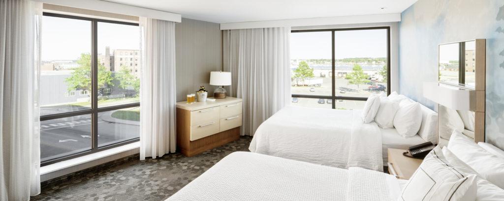 queen suite in downtown hotel