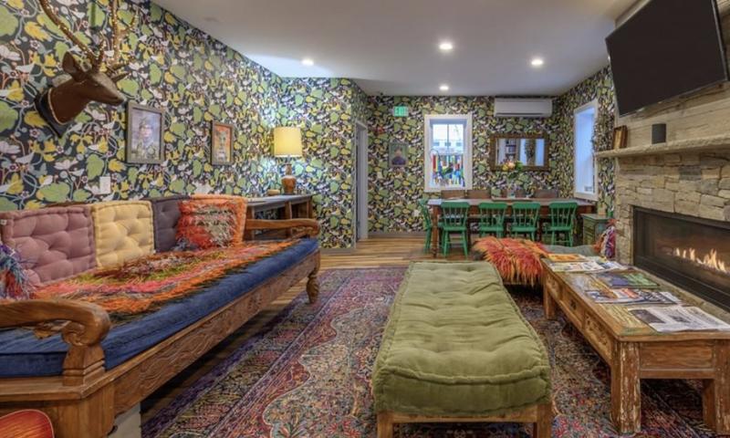 Black Elephant Hostel Living Room, Photo Credit: Peter G. Morneau