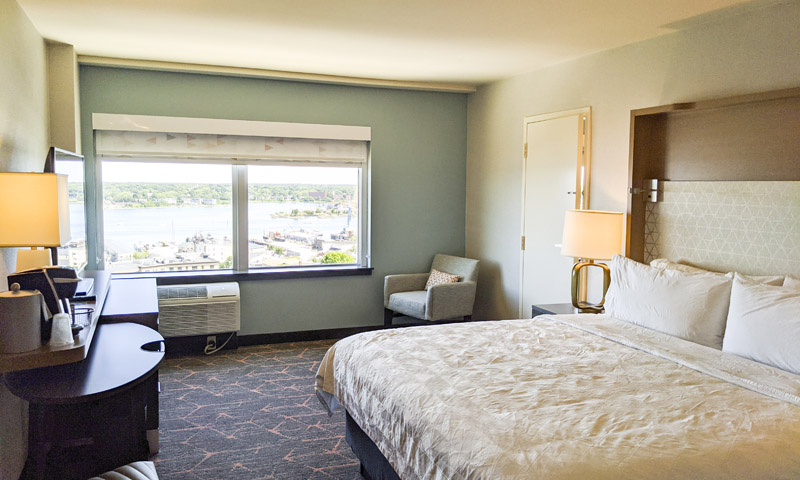 Holiday Inn by the Bay Hotel Room. Photo Credit: Capshore Photography